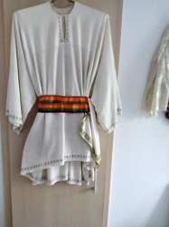 Vand cămașa bărbătească -port tradițional muscelean