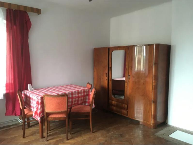 2 camere decomandat zona Livada Postei-1