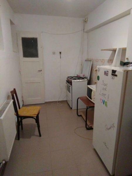 2 camere decomandat zona Livada Postei-3
