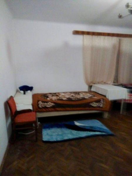 2 camere decomandat zona Livada Postei-6
