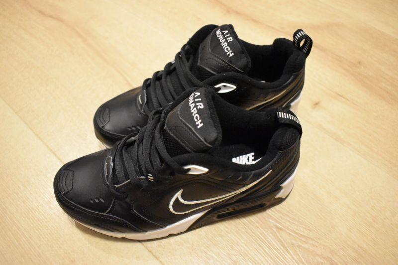 Adidasi dama Nike Air Monarch IV-2
