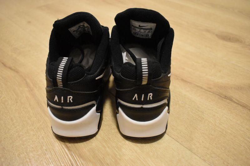Adidasi dama Nike Air Monarch IV-6