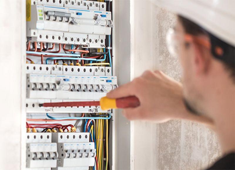 Adlesig romania - bransamente si instalatii electrice-1