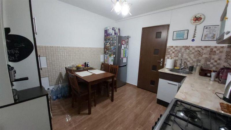 Aparatament 3 camere de vanzare zona Aradului - ID V203-8