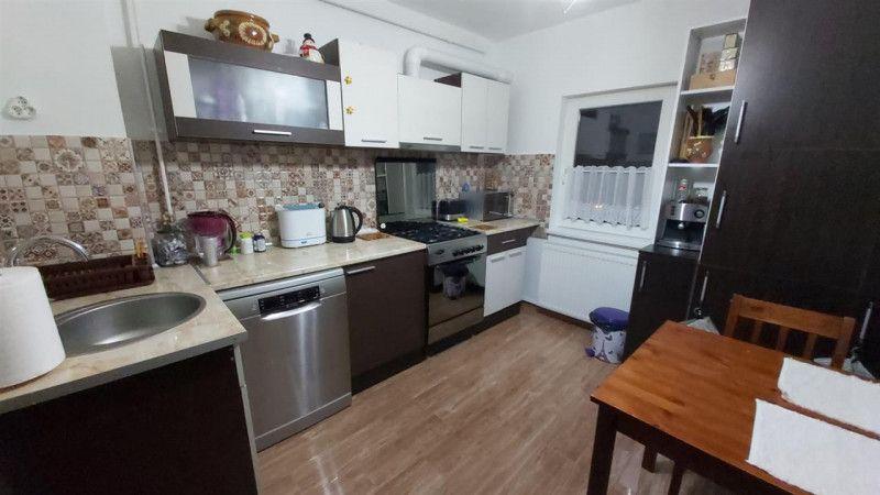 Aparatament 3 camere de vanzare zona Aradului - ID V203-9
