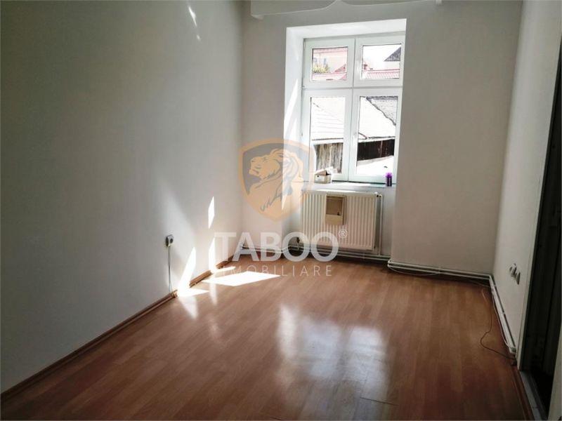 Apartament 2 camere 48 mp utili in Sibiu zona Teatru Gong-1
