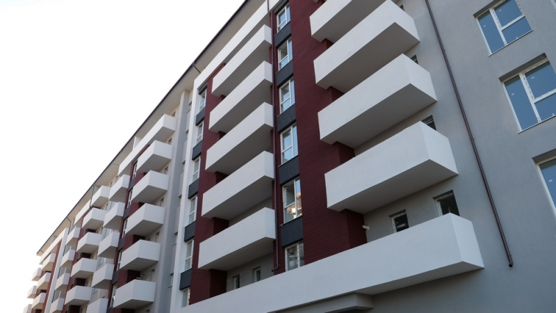 Apartament 2 camere,decomandat, bloc nou, curte-1