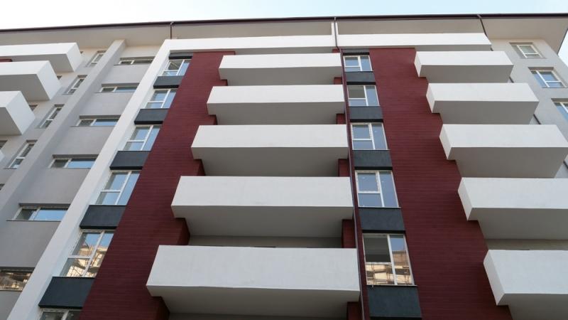 Apartament 2 camere,decomandat, bloc nou, curte-2