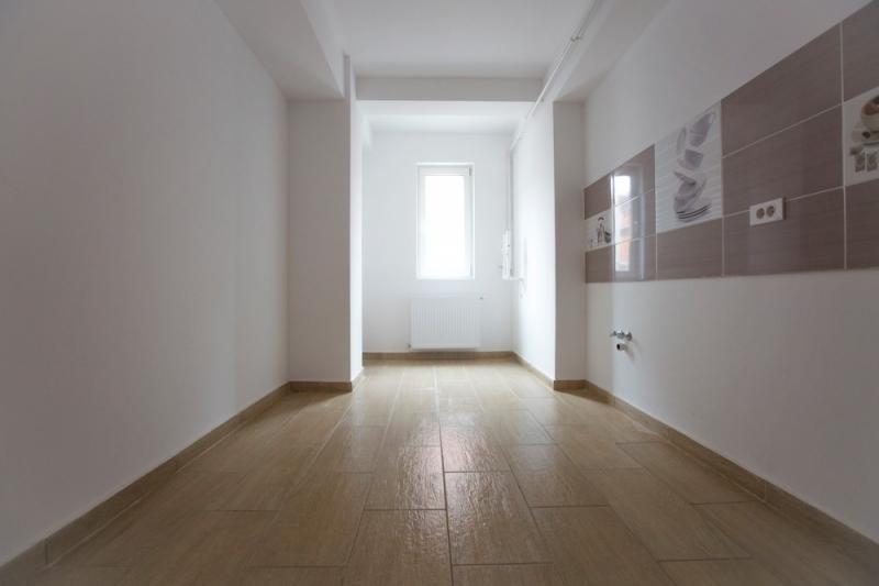 Apartament 2 camere,decomandat, bloc nou, curte-7