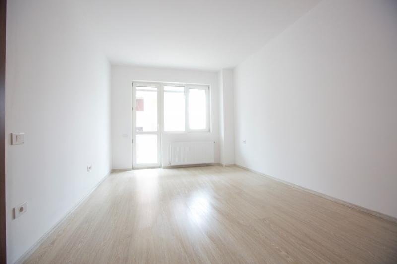 Apartament 2 camere,decomandat, bloc nou, curte-8