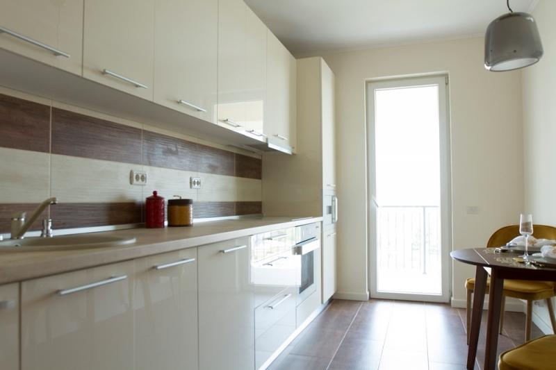 Apartament 2 camere la cheie, decomandat, etaj 1, stradal,Brancoveanu-3