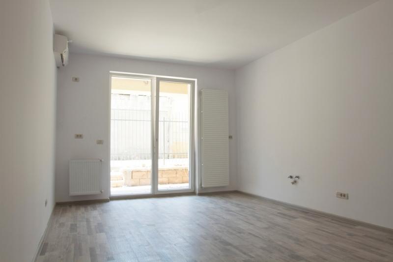 Apartament 2 camere la cheie, decomandat, etaj 1, stradal,Brancoveanu-5