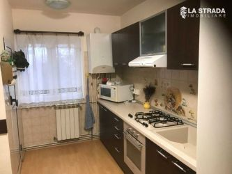 Apartament 3 cam dec, 2 balcoane inchise si garaj - Gheorgheni