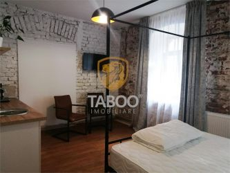 Apartament 3 camere 3 bai pretabil afacere de vanzare Centrul Istoric