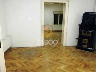 Apartament 3 camere 93 mp utili in Sibiu zona Centrala