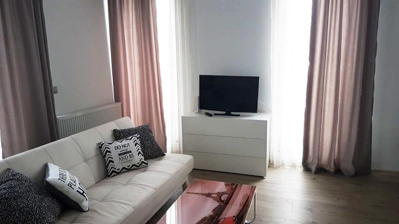 Apartament 3 camere cu terasa -Semicentral-2