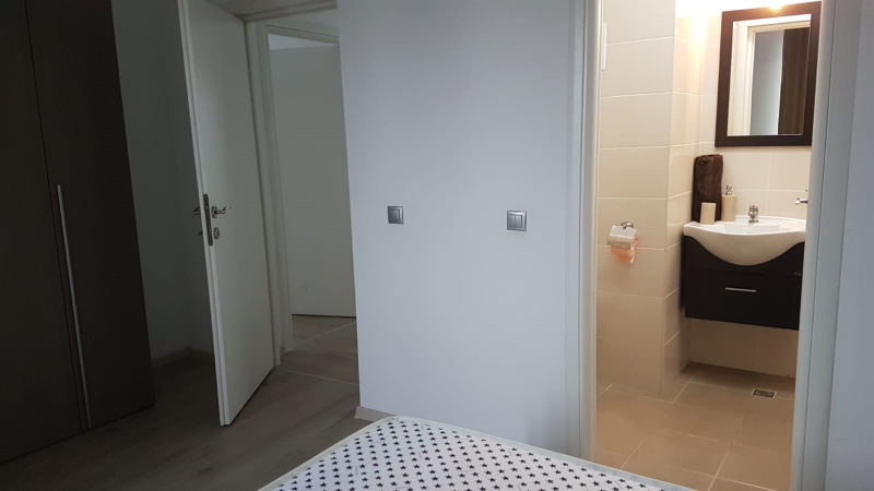 Apartament 3 camere cu terasa -Semicentral-5