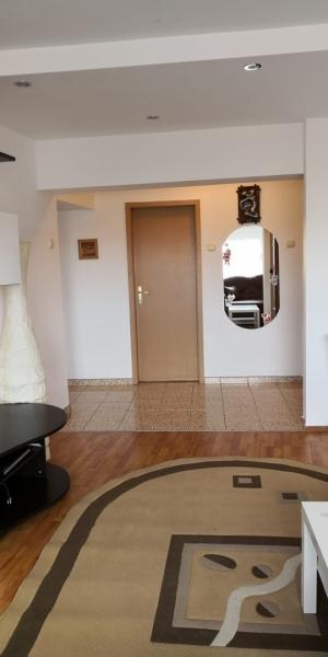 Apartament 3 camere de inchiriat-4