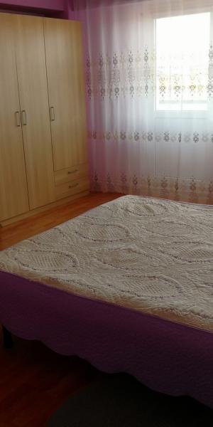 Apartament 3 camere de inchiriat-11