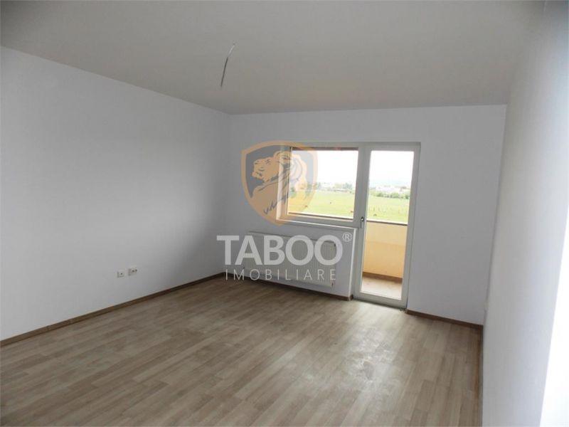 Apartament 3 camere de vanzare 2 balcoane si loc de parcare inclus-1