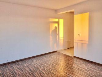 Apartament 3 camere de vanzare parcare inclusa in GIROC - ID V37