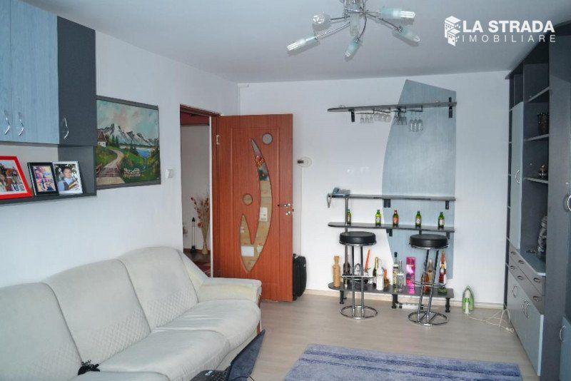 Apartament 3 camere dec, zona Expo - Transilvania-1