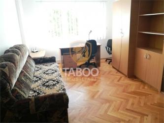 Apartament 3 camere decomandate de inchiriat in Sibiu zona Siretului