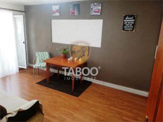 Apartament 3 camere decomandate si balcon de vanzare zona Dioda