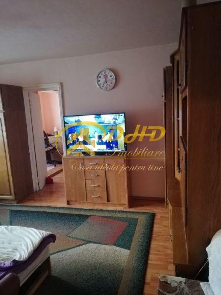 Apartament 3 camere Mircea cel Batran 290 euro-5