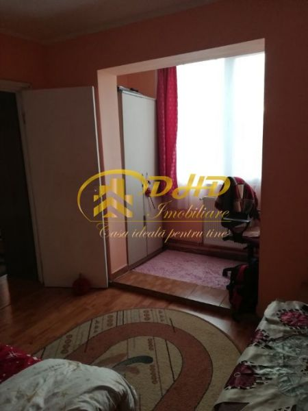 Apartament 3 camere Mircea cel Batran 290 euro-6