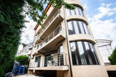 Apartament 4 camere in Berceni, decomandat, 122 mpu, garaj subteran si
