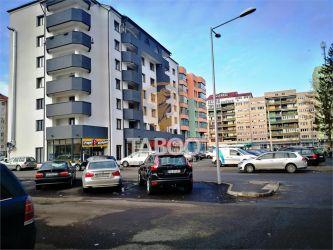 Apartament 80 mp totali 3 camere 2 bai balcon de vanzare Mihai Viteazu