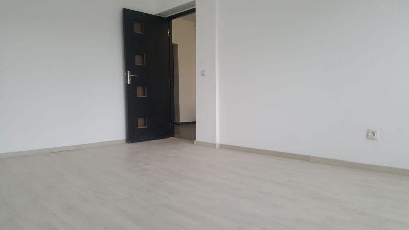 Apartament cu 1 camera de inchiriat-3
