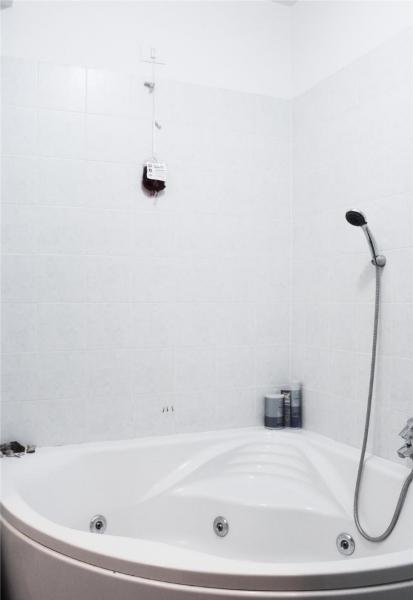 Apartament cu 2 camere de lux in COMPLEX REZIDENTIAL RING la 75.000 eu-14