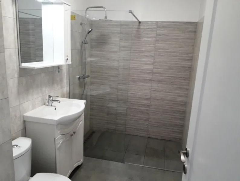 Apartament cu 2 camere de vanzare-5