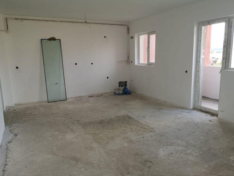Apartament cu 2 camere de vanzare -1