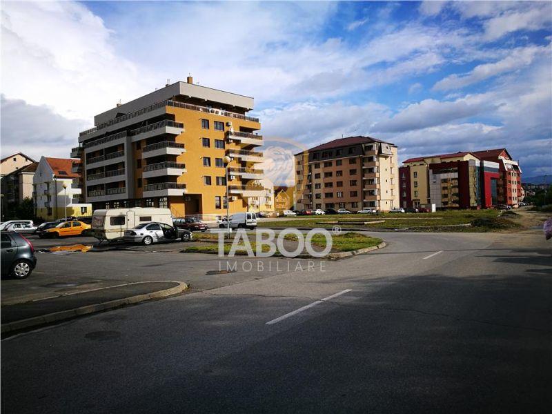 Apartament cu 2 camere decomandate balcon si pod in zona Strand-1