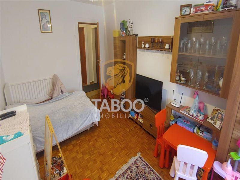 Apartament cu 2 camere decomandate de vanzare in Strand Sibiu-1