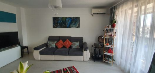Apartament cu 2 camere. direct proprietar. militari residance