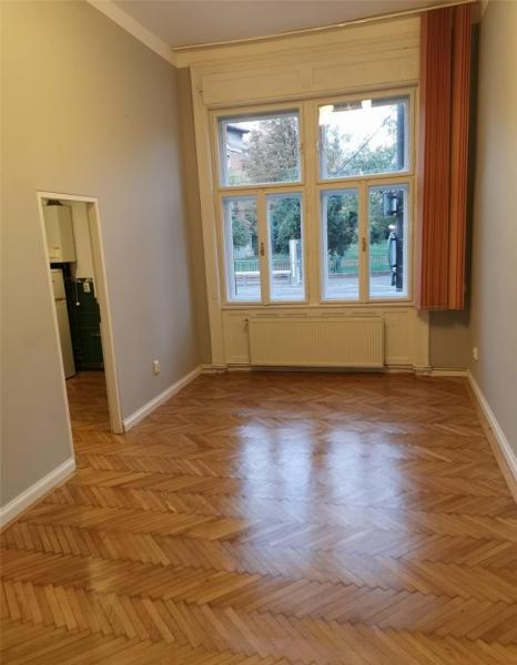Apartament cu 2 camere in centrul orasului la 89.999 euro-1