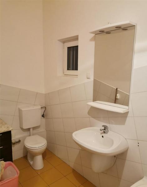 Apartament cu 2 camere in centrul orasului la 89.999 euro-2