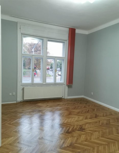 Apartament cu 2 camere in centrul orasului la 89.999 euro-3