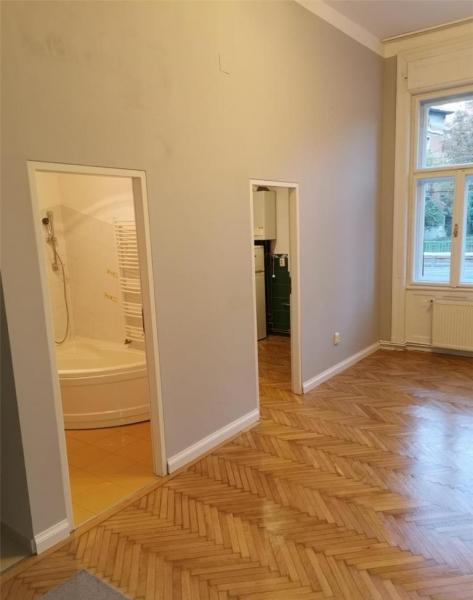 Apartament cu 2 camere in centrul orasului la 89.999 euro-6