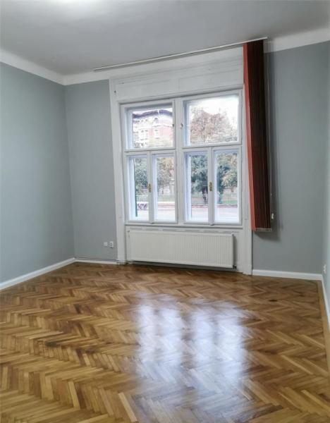 Apartament cu 2 camere in centrul orasului la 89.999 euro-7