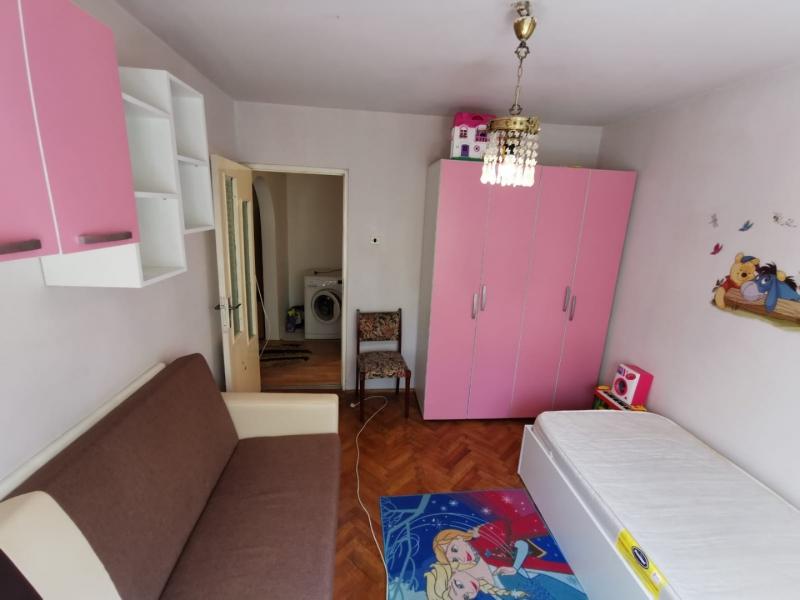 Apartament cu 2 camere in inima COMPLEXULUI STUDENTESC la 300 euro-6