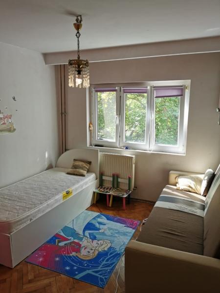 Apartament cu 2 camere in inima COMPLEXULUI STUDENTESC la 300 euro-7