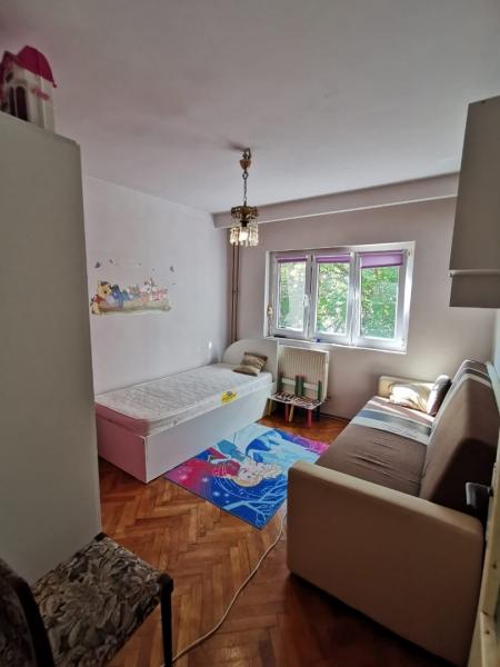 Apartament cu 2 camere in inima COMPLEXULUI STUDENTESC la 300 euro-14