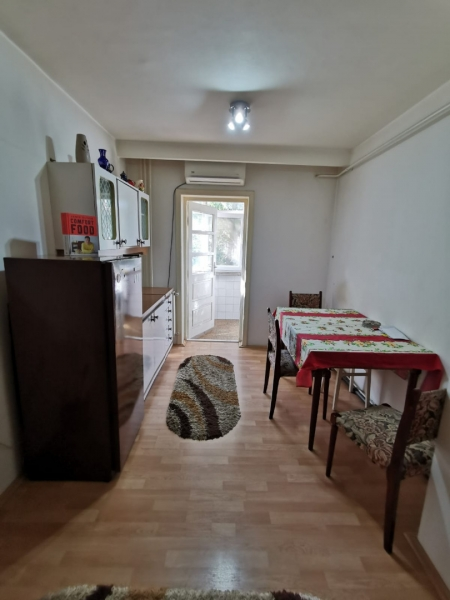 Apartament cu 2 camere in inima COMPLEXULUI STUDENTESC la 300 euro-18