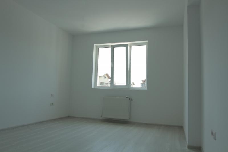 Apartament cu 2 camere la cheie, decomandat, stradal la bulevard-11