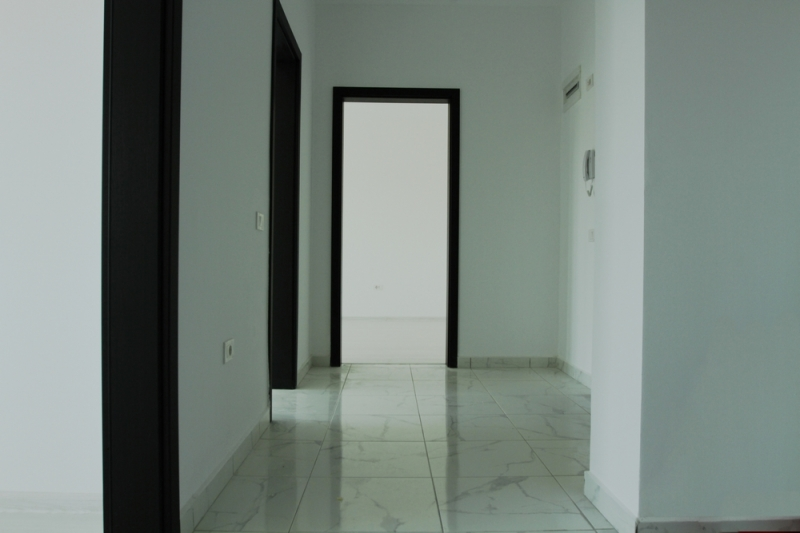Apartament cu 2 camere la cheie, decomandat, stradal la bulevard-12